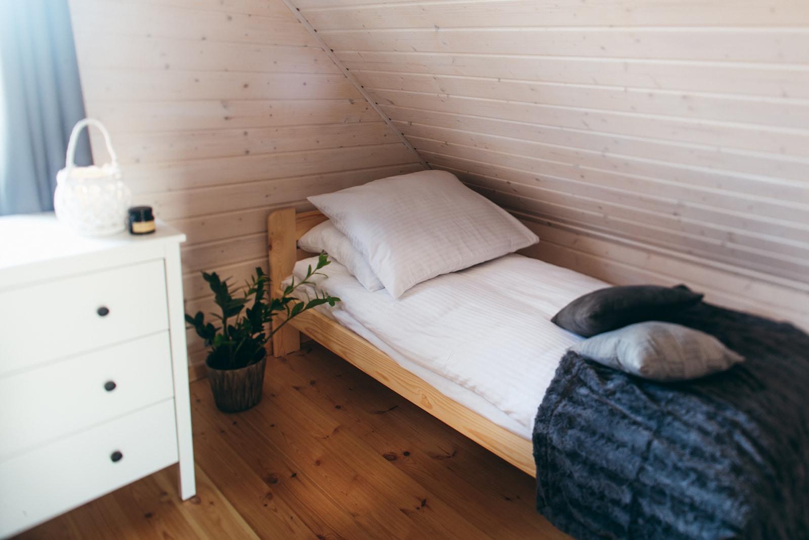 Domki nad Jeziorem Żywieckim, wnętrze sypialnia mała, idealna dla dzieci