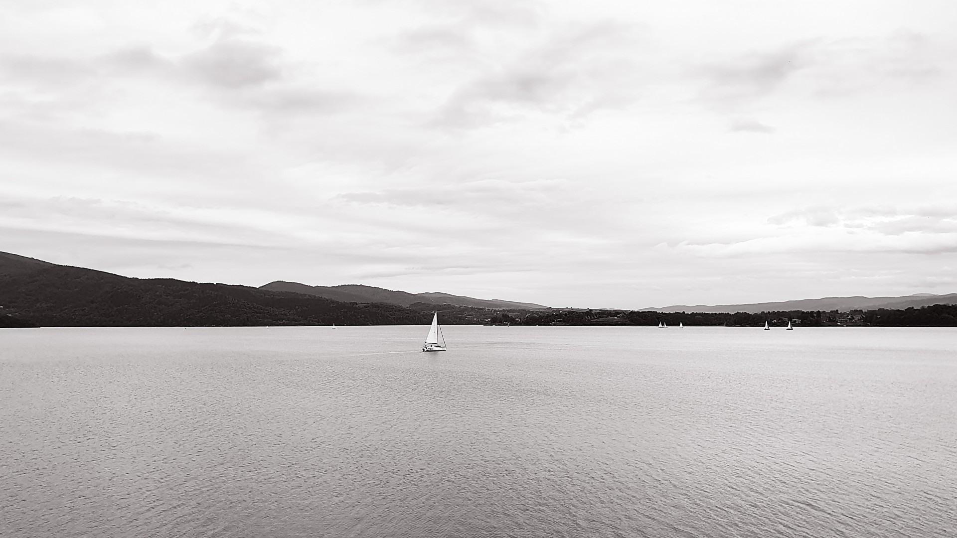 Calm and peace, czyli to co tygryski lubią najbardziej na Jeziorem Żywieckim, lokalna atrakcja domków nad jeziorem